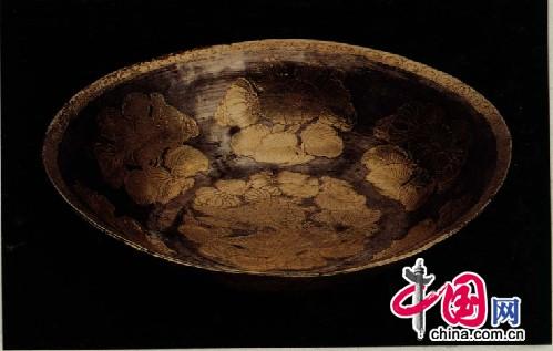鸿雁折枝花纹银盘,唐,陕西西安西北工业大学出土